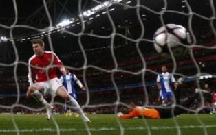 Лига Чемпионов: Арсенал громит Порту, Бавария проходит Фиорентину