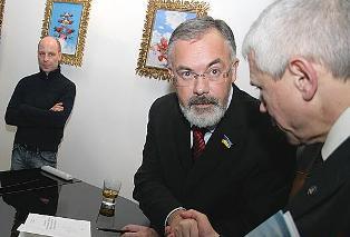 Дмитрия Табачника не пускают в кресло