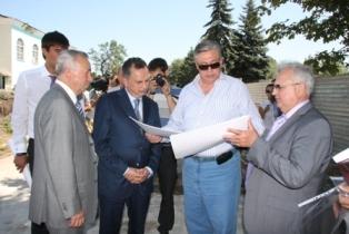 Колесников планирует обучить английскому 120 тыс. жителей Донецка
