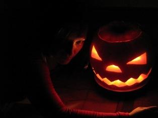 Хэллоуин или выборы – нужное подчеркнуть