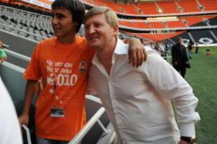 Ахметов собирается «продать или подарить» свой футбольный клуб