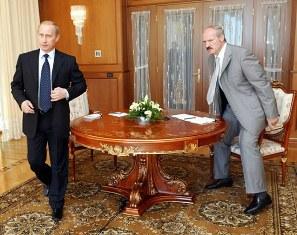 Александр Лукашенко берет управление в свои руки