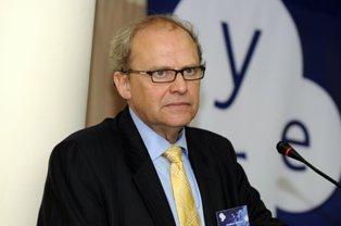 Андерс Аслунд: нельзя играть с валютным курсом