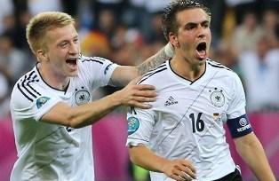 Евро-2012: Германия легко проходит Грецию