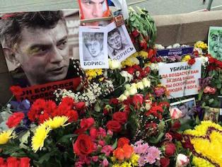 The Economist: Кремль стирает Немцова из памяти россиян
