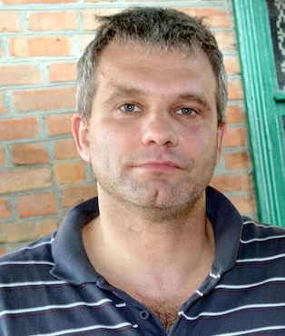 Украина прощается с застреленным после пыток бойцом - киборгом