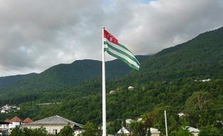 В Абхазии сетуют на отток туристов из-за политической нестабильности