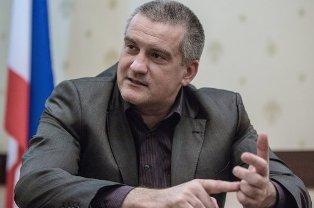 Аксенов пообещал найти альтернативу Visa и Mastercard к началу