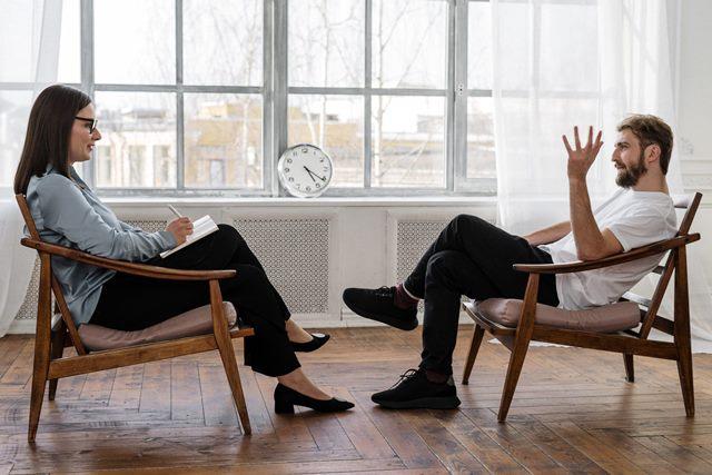 Психологическая помощь: когда обратиться к специалисту?