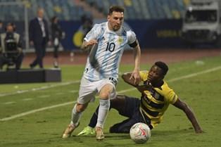 Copa America: Аргентина справилась с Эквадором, Уругвай уступил Колумбии