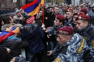 Протесты против Саргсяна: что происходит в Армении?