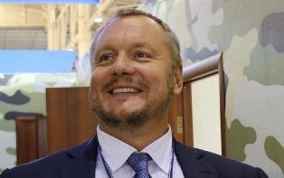Порошенко лишил гражданства депутата, предлагавшего сдать Крым в аренду Рос ...