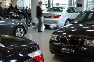 Продажи автомобилей в Украине сократились практически в 5 раз