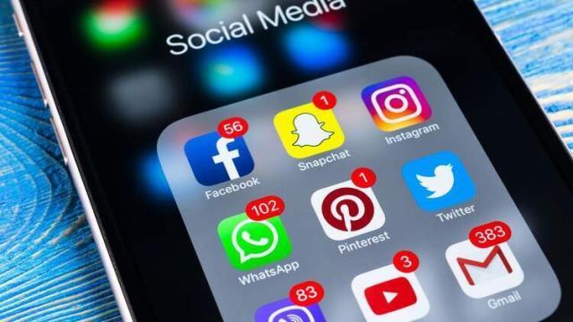Азербайджан заблокировал все соцсети, не сломав интернет. Как им это удалось