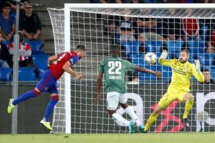 Лига Чемпионов: Базель выбивает ПСВ, разгромная победа Олимпиакоса