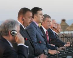Президенты пяти стран подписали Батумскую декларацию