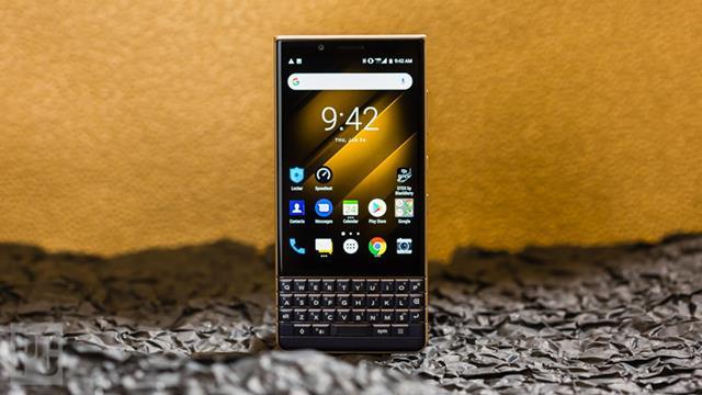Выпуск смартфонов Blackberry официально прекращен