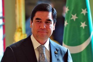 Президент Туркменистана решил полностью очистить страну от курильщиков