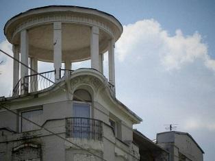 Достопримечательности Днепра: таинственные беседки на крышах домов