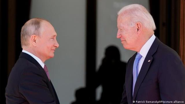 Politico: администрация Байдена боится вводить санкции против Путина