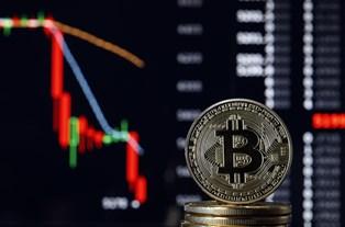 Биткоин рухнул ниже $30 000 и обвалил остальные криптовалюты