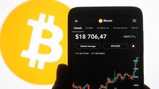 Стоимость Bitcoin впервые с начала мая превысила $50 000