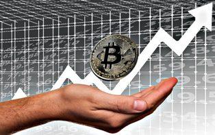 Исследование: курс биткоина взлетел из-за манипуляций?