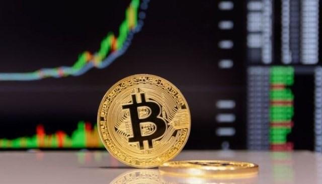 Курс биткоина упал ниже $7000 впервые с мая