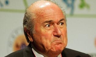Зепп Блаттер покидает пост Президента FIFA. Нового главу выберет специальны ...