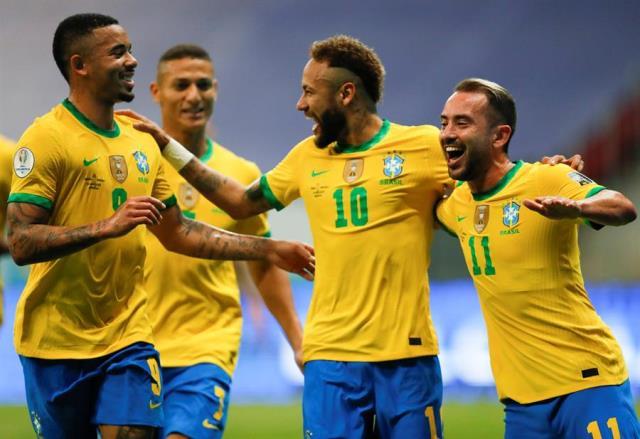 Copa America: уверенный старт Бразилии, Колумбия обыграла Эквадор
