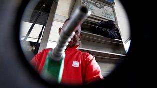 Цена нефти Brent выросла до 53,62 долларов за баррель