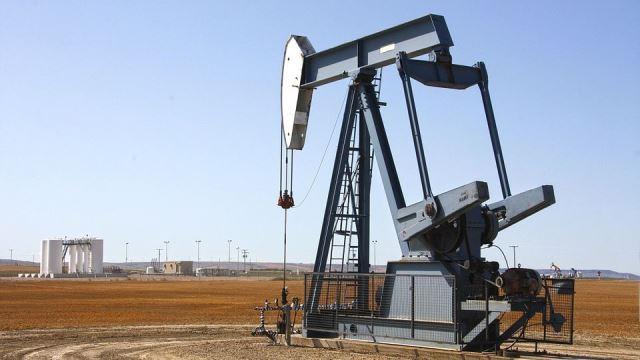 Цены на нефть Brent и WTI продолжают стремительное падение