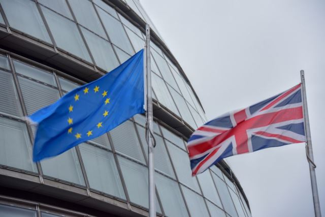 FT: инвесторы ставят на отскок британских активов независимо от исхода Brexit