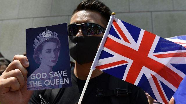 Протестующие в Гонконге попросили помощь у Великобритании