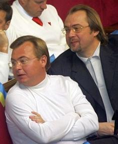 Арсений Яценюк: источники финансирования