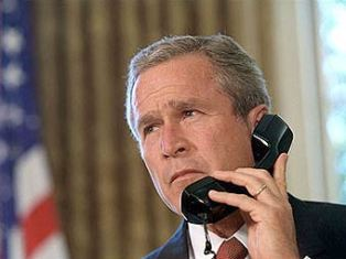 """Американским спецслужбам запретили """"слушать"""" телефоны"""