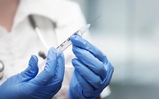 Универсальная вакциона от рака, разработанная в Германии, дала первые резул ...