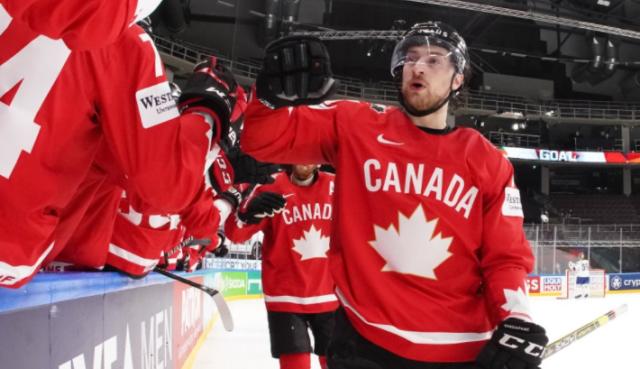 ЧМ по хоккею: первая победа Канады, сенсация от Великобритании