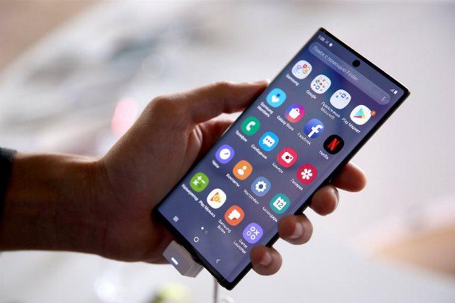 В РФ сделают платной обязательную регистрацию смартфонов