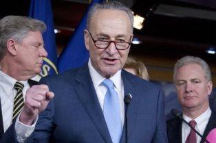 Сенаторы обещают заблокировать отмену санкций против России
