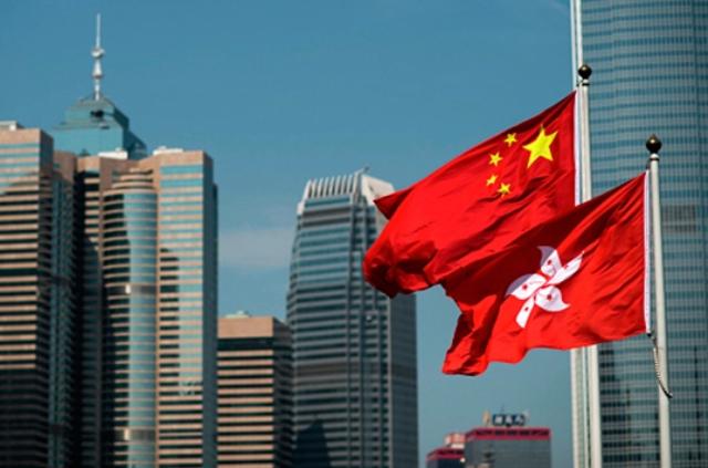 Китай окончательно ограничивает автономию Гонконга: США вводят первые санкции