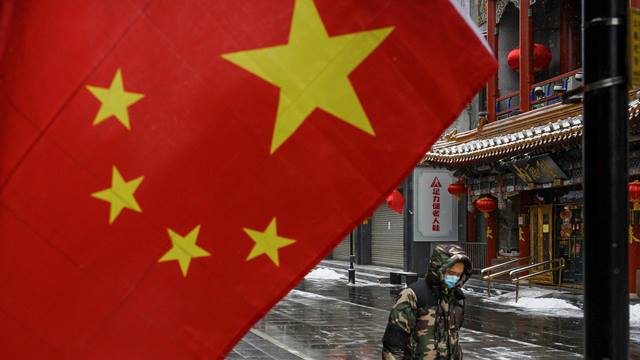 Объем промышленного производства в Китае оказался худшим за 30 лет