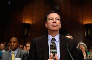 Трамп уволил директора ФБР, который расследовал его связи с Россией