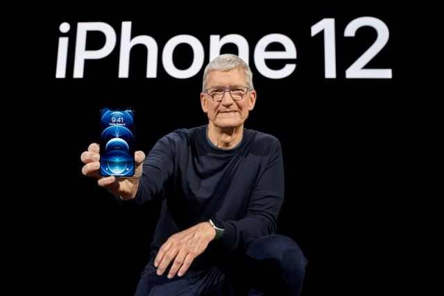 Тиму Куку пора на пенсию: Apple ждет фиаско с новым iPhone 12
