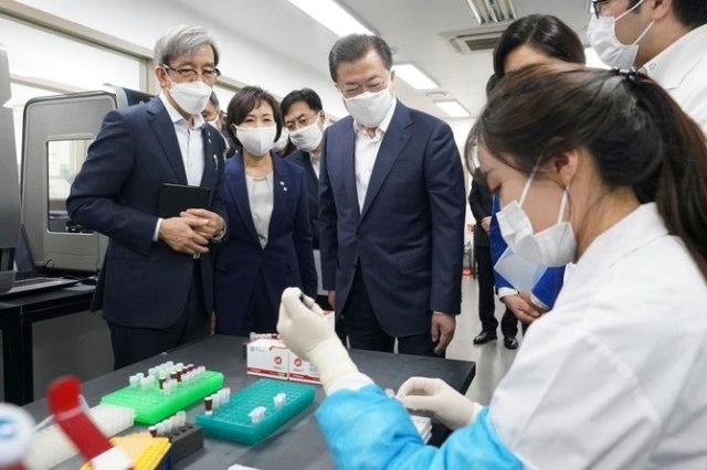 В Южной Корее повторно диагностируют коронавирус и выздоровевших пациентов