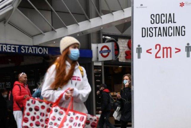 Европа закрывает границы с Великобританией из-за нового штама COVID