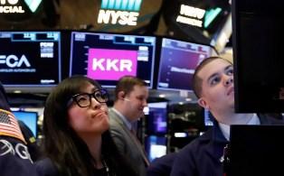 ОЭСР: мировая экономика оказалась на грани рецессии из-за коронавируса