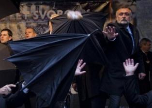 Президента Чехии забросали яйцами за пророссийские высказывания