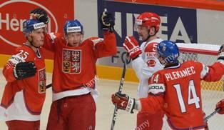 ЧМ по хоккею: Чехия обыграла Россию, Латвия удивляет США