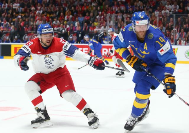 ЧМ по хоккею: главные фавориты стартуют с поражений
